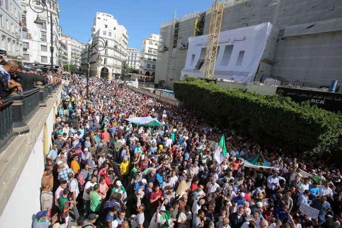 Algérie loi hydrocarbures manifestation